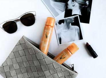 IDÉAL SOLEIL Face Mist - Solcremen du kan spraye ovenpå din makeup