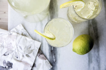 Tag solen og c-vitaminerne med ind i efteråret med hjemmelavet lemonade